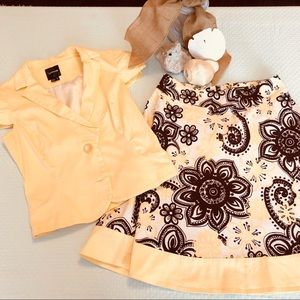 Skirt Suit Yellow & Brown Skirt Suit 7 Small